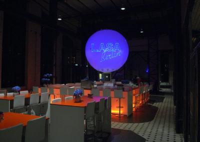 Leuchtballon mit Branding und Laserprojektion