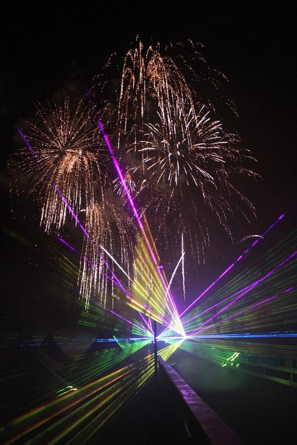 lasershow-zum-feuerwerk-3