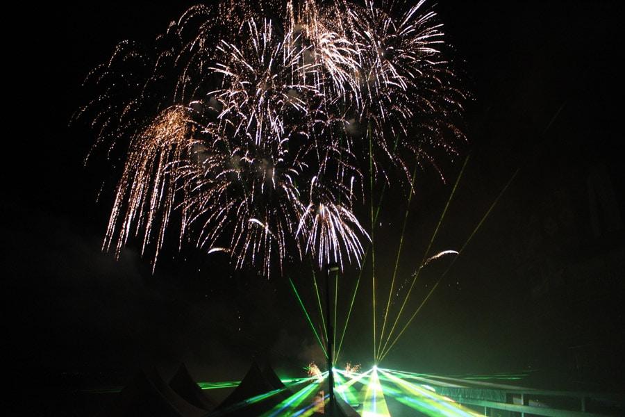 lasershow-zum-feuerwerk-4