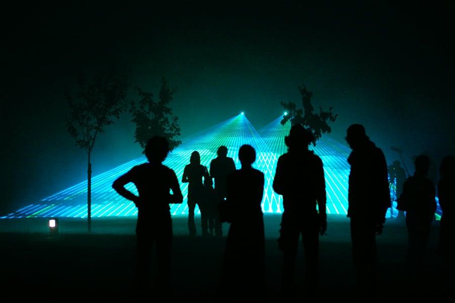 Lasershow-zum-Geburtstag-im-Park