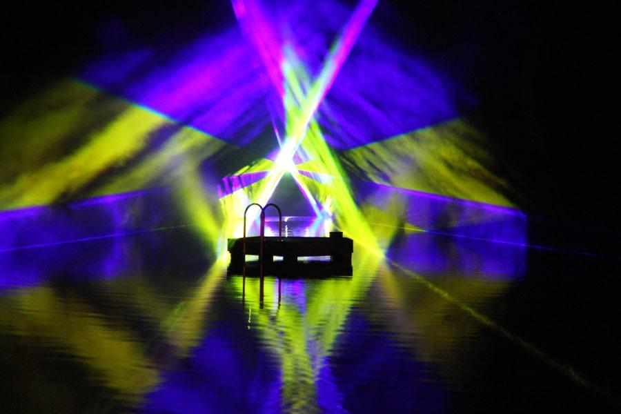 lasershow-im-der-Badeanstalt